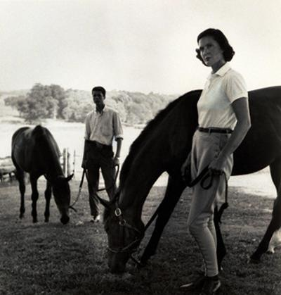 Vogue - August 1959 by Toni Frissell