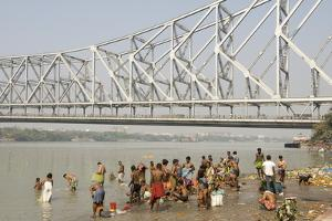 Bathing Ghat on Hooghly River by Tony Waltham