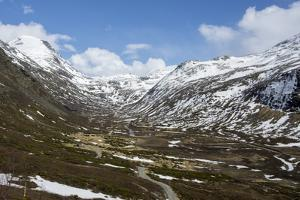 Bergsdale in Sognefjell mountains, above Skjolden by Tony Waltham