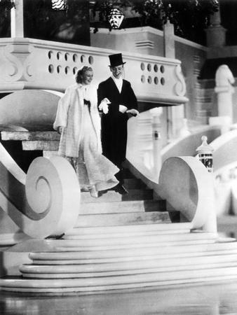 https://imgc.allpostersimages.com/img/posters/top-hat-ginger-rogers-fred-astaire-1935_u-L-PH514A0.jpg?artPerspective=n