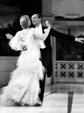 https://imgc.allpostersimages.com/img/posters/top-hat-ginger-rogers-fred-astaire-1935_u-L-Q12PB3B0.jpg?artPerspective=n