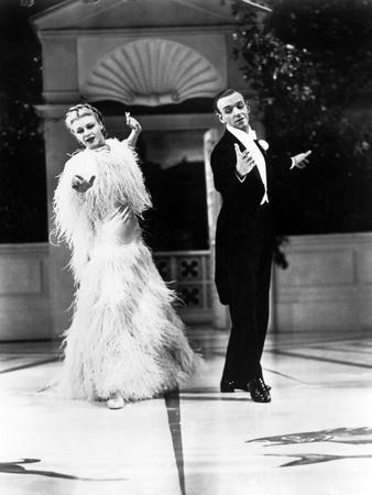 https://imgc.allpostersimages.com/img/posters/top-hat-ginger-rogers-fred-astaire-1935_u-L-Q12PC080.jpg?artPerspective=n