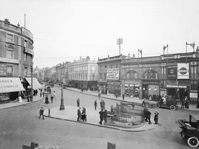 Hammersmith Broadway by Topical Press Agency