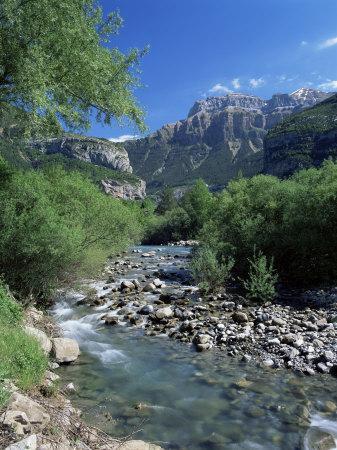 https://imgc.allpostersimages.com/img/posters/torla-the-river-ara-and-mondarruego-huesca-pyrenees-aragon-spain_u-L-P1TG260.jpg?p=0