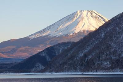 Mountain Fuji in Winter by Torsakarin