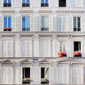 Parisian Appartment by Tosh