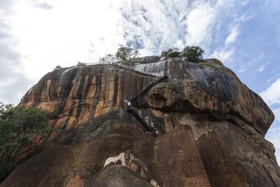 https://imgc.allpostersimages.com/img/posters/tourists-ascending-sigiriya-lion-rock-unesco-world-heritage-site-sri-lanka-asia_u-L-PQ8P7Z0.jpg?p=0