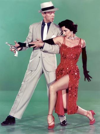 https://imgc.allpostersimages.com/img/posters/tous-en-scene-the-band-wagon-by-vincenteminnelli-with-cyd-charisse-and-fred-astaire-1953-photo_u-L-Q1C1W570.jpg?artPerspective=n