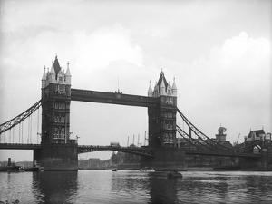 Tower Bridge 1930s