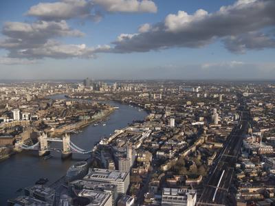 https://imgc.allpostersimages.com/img/posters/tower-bridge-london_u-L-Q1AVE9M0.jpg?artPerspective=n