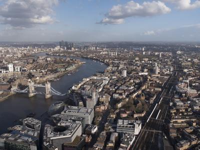 https://imgc.allpostersimages.com/img/posters/tower-bridge-london_u-L-Q1AVECA0.jpg?p=0