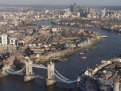 https://imgc.allpostersimages.com/img/posters/tower-bridge-london_u-L-Q1AVETF0.jpg?p=0