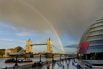 https://imgc.allpostersimages.com/img/posters/tower-bridge-rainbow_u-L-Q1AS5DJ0.jpg?p=0