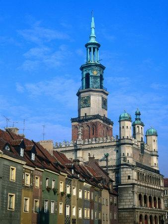 https://imgc.allpostersimages.com/img/posters/town-hall-in-the-old-town-square-poznan-poland_u-L-P3SFLT0.jpg?p=0