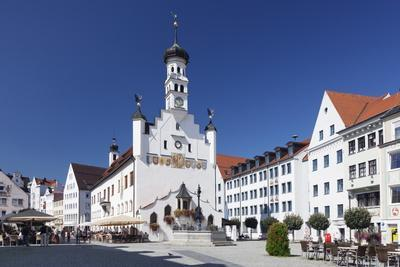 https://imgc.allpostersimages.com/img/posters/town-hall-kempten-schwaben-bavaria-germany-europe_u-L-PQ8V2T0.jpg?p=0