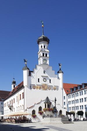 https://imgc.allpostersimages.com/img/posters/town-hall-kempten-schwaben-bavaria-germany-europe_u-L-PQ8V350.jpg?p=0