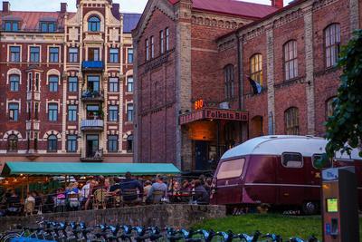 https://imgc.allpostersimages.com/img/posters/town-view-gothenburg-province-of-vaestra-goetalands-laen-sweden_u-L-Q1EXSIW0.jpg?artPerspective=n