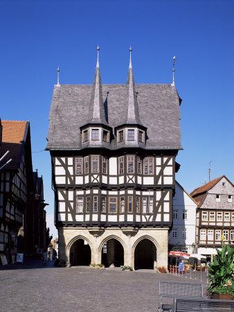 https://imgc.allpostersimages.com/img/posters/townhall-and-market-square-alsfeld-hesse-germany_u-L-P1JMHK0.jpg?p=0