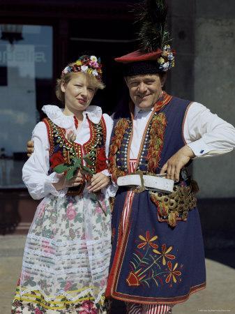 https://imgc.allpostersimages.com/img/posters/traditional-dress-poland_u-L-P1TC7I0.jpg?p=0