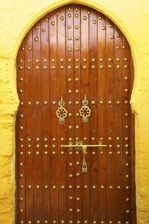 https://imgc.allpostersimages.com/img/posters/traditional-moroccan-decorative-door-rabat-morocco-north-africa-africa_u-L-PWFAYA0.jpg?p=0