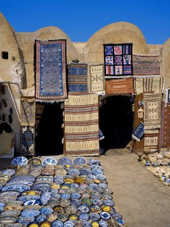 https://imgc.allpostersimages.com/img/posters/traditional-pottery-and-rug-shop-tunisia-north-africa-africa_u-L-P7XADO0.jpg?p=0