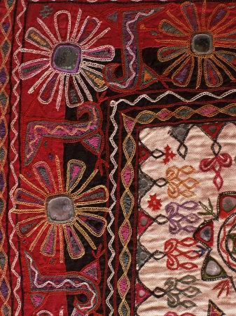 https://imgc.allpostersimages.com/img/posters/traditional-rabari-tribal-embroidered-fabrics-kutch-gujarat-state-india_u-L-P1UH3I0.jpg?p=0