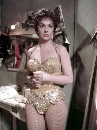 https://imgc.allpostersimages.com/img/posters/trapeze-by-carolreed-with-gina-lollobrigida-1956-photo_u-L-Q1C2CTU0.jpg?artPerspective=n