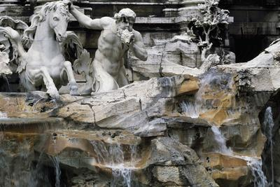 https://imgc.allpostersimages.com/img/posters/trevi-fountain_u-L-PPOYJ20.jpg?p=0