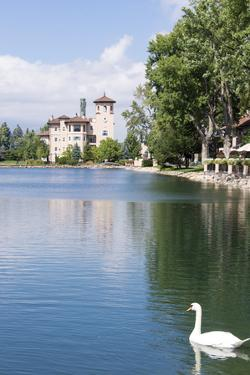 USA, Colorado, Colorado Springs. Broadmoor Resort's Cheyenne Lake by Trish Drury