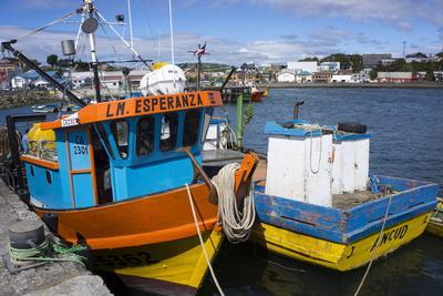 https://imgc.allpostersimages.com/img/posters/tthe-fishing-harbour-of-ancud-island-of-chiloe-chile-south-america_u-L-PWFBUW0.jpg?p=0