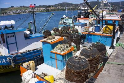 https://imgc.allpostersimages.com/img/posters/tthe-fishing-harbour-of-ancud-island-of-chiloe-chile-south-america_u-L-PWFFCV0.jpg?p=0