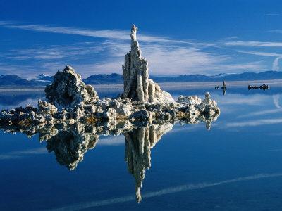 https://imgc.allpostersimages.com/img/posters/tufa-formations-in-mono-lake-tufa-state-reserve-mono-lake-california-usa_u-L-P4CJAD0.jpg?p=0
