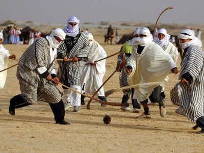https://imgc.allpostersimages.com/img/posters/tunisian-men-play-oggaf_u-L-Q10OPV00.jpg?p=0