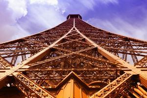 Eiffel Tower by Tupungato