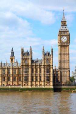London - Big Ben by Tupungato