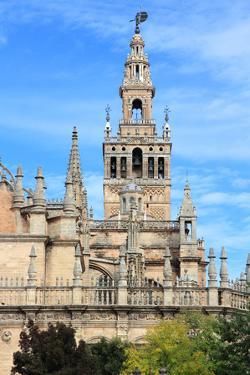 Sevilla Cathedral by Tupungato