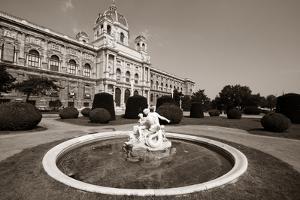 Vienna Museum by Tupungato