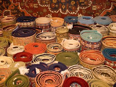 https://imgc.allpostersimages.com/img/posters/turkish-rugs-on-display-cappadoccia-turkey_u-L-P243H70.jpg?p=0