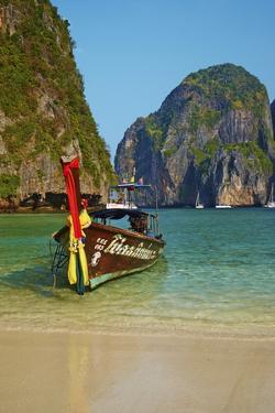 Ao Maya Bay, Ko Phi Phi Le Island, Krabi Province, Thailand, Southeast Asia, Asia by Tuul