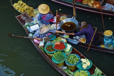 Floating Market, Damnoen Saduak, Ratchaburi Province, Thailand, Southeast Asia, Asia by Tuul