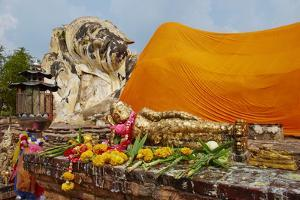 Sleeping Buddha, Wat Lokaya Sutha, Ayutthaya Historical Park, Ayutthaya, Thailand by Tuul
