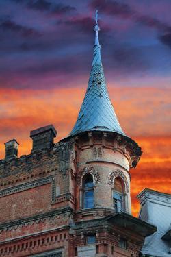 Knights Castle by tverkhovinets