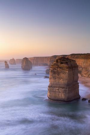 https://imgc.allpostersimages.com/img/posters/twelve-apostles-port-campbell-national-park-great-ocean-road-victoria-australia-pacific_u-L-Q12SAJD0.jpg?p=0