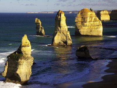 https://imgc.allpostersimages.com/img/posters/twelve-apostles-port-campbell-national-park-great-ocean-road-victoria-australia_u-L-P2T8TM0.jpg?p=0