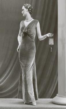 Twenties Mannequin in Velvet Dress