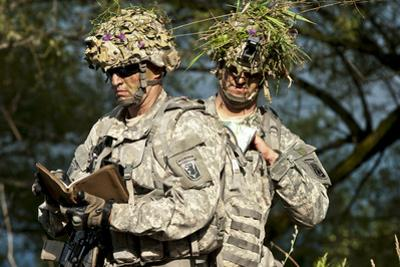 U.S. Army National Guards Prepare to Conduct a Movement