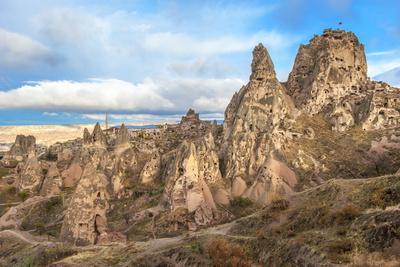 https://imgc.allpostersimages.com/img/posters/uchisar-cappadocia-unesco-world-heritage-site-anatolia-turkey-asia-minor-eurasia_u-L-PNGEBA0.jpg?p=0