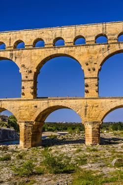 France, Languedoc-Roussillon, Gard, Vers-Pont-Du-Gard, Pont Du Gard by Udo Siebig