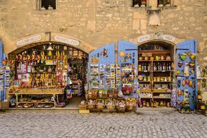 France, Provence, Bouches-Du-Rh™ne, Les Baux-De-Provence, Old Town, Souvenir Shop by Udo Siebig
