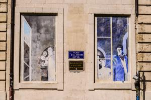 France, Provence, Vaucluse, Avignon, Place Daniel Sorano, House Facade, Mural Painting by Udo Siebig